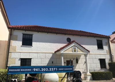 commercial roof cleaning sarasota